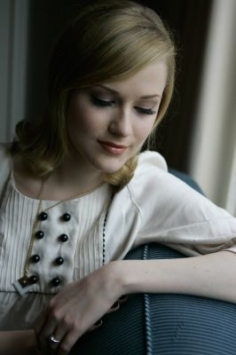 Photoshoot-evan-rachel-wood-391922_266_400