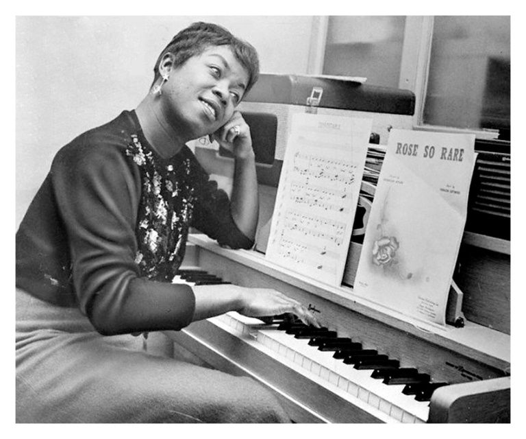 Sarah Vaughan Playing Piano